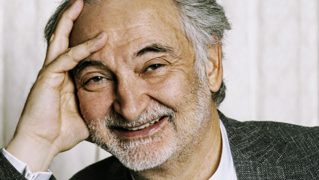 Jacques  Attali photograph (2)