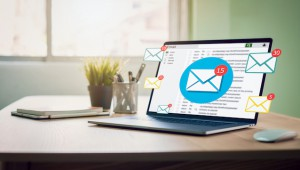 New,Email,Alert,On,Laptop,,Communication,Connection,Message,To,Global